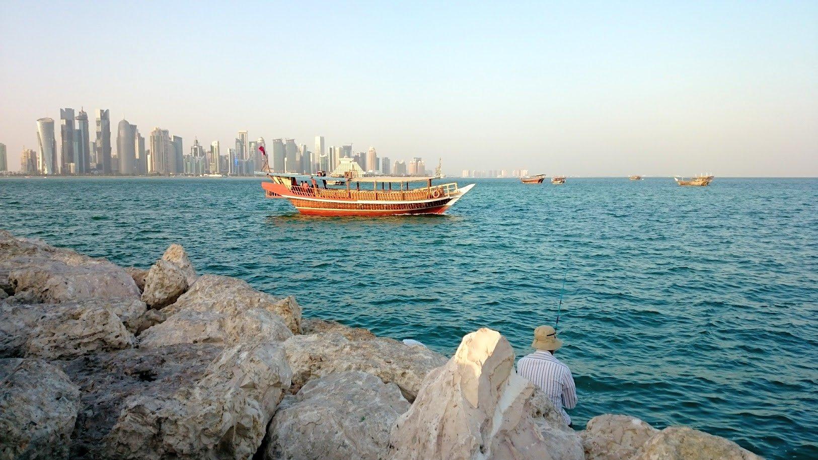 Doha Qatar dhow port satama