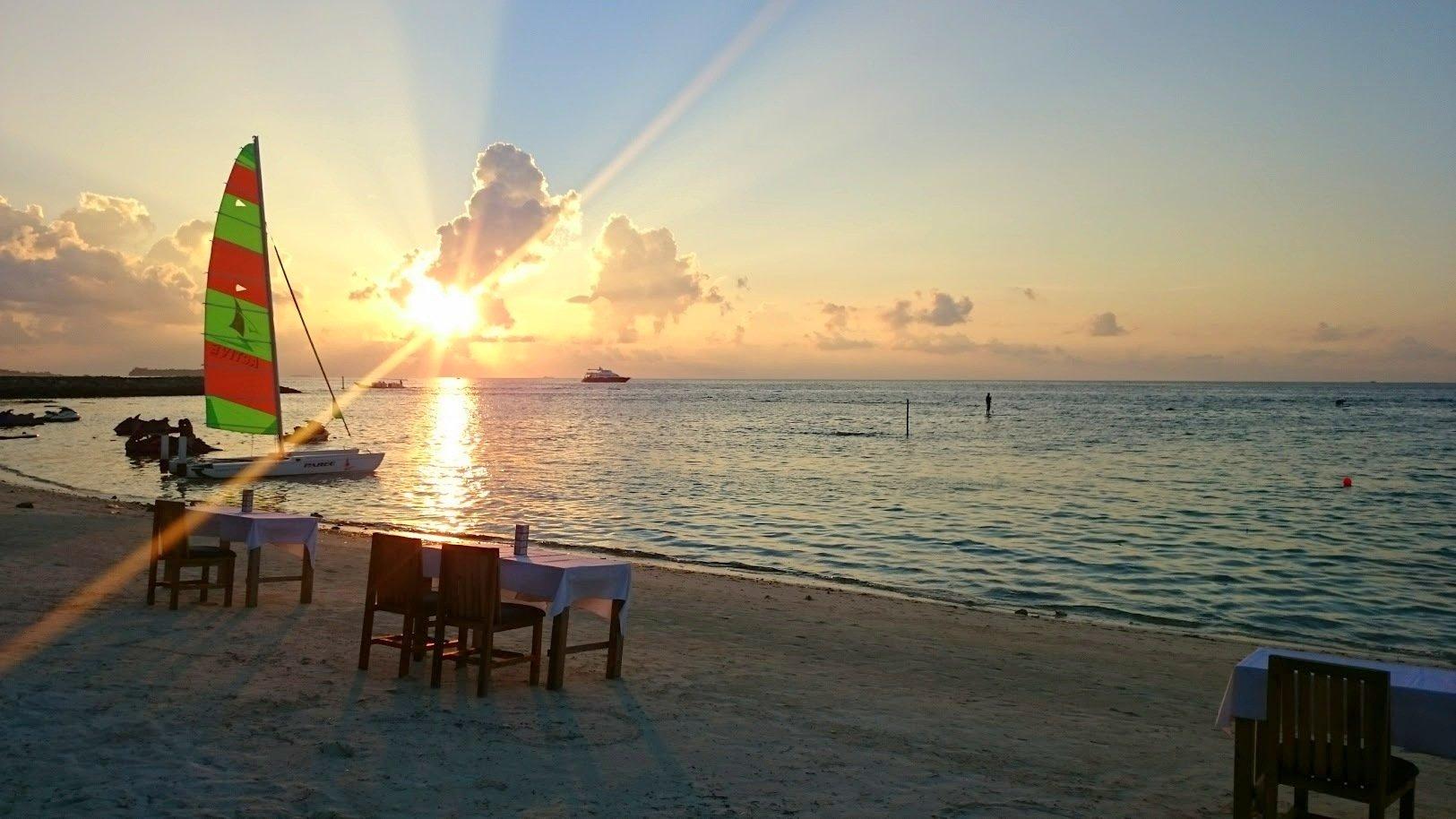 Maafushi auringonlasku edullisesti malediiveille kokemuksia