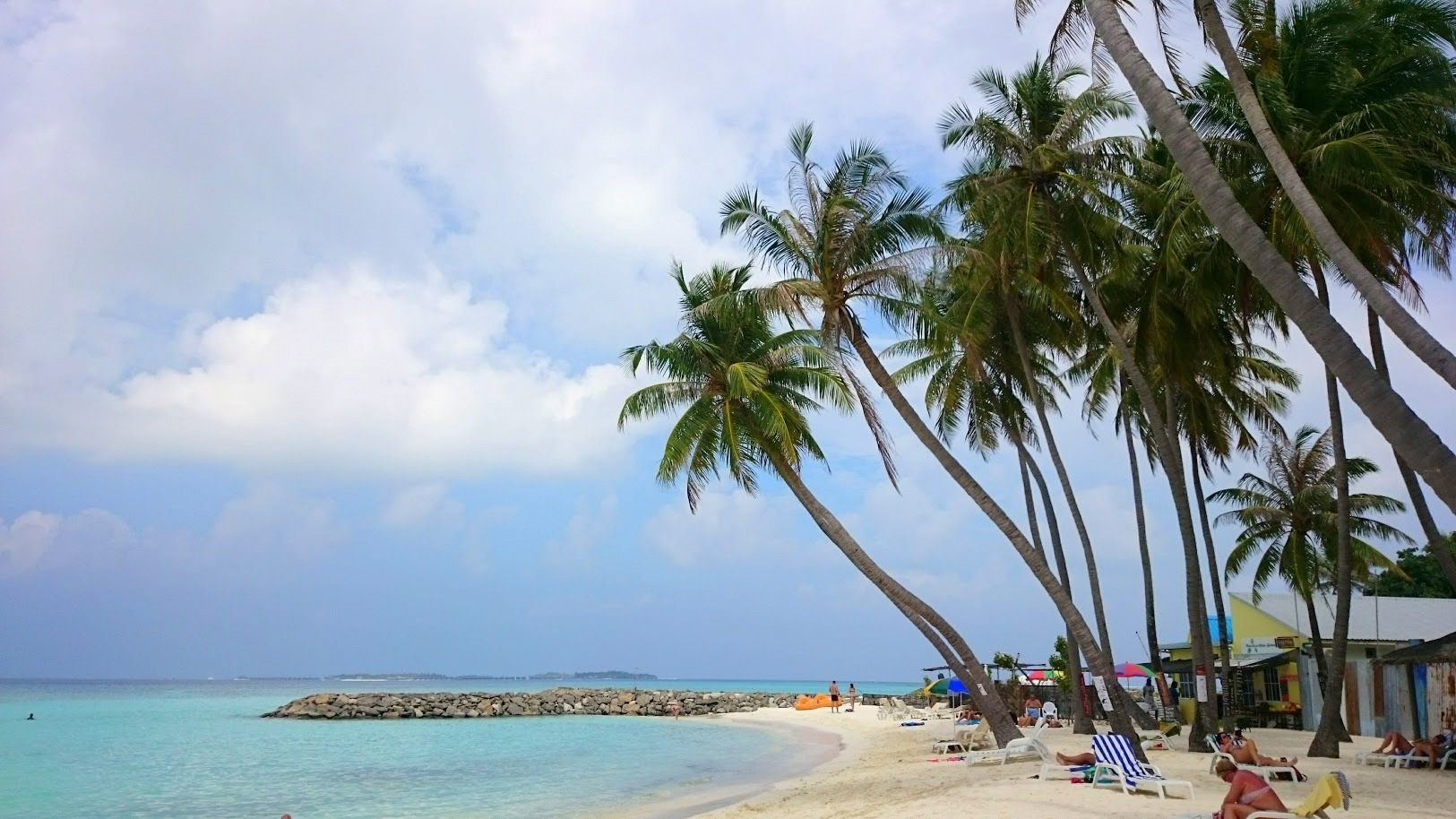 Maafushi bikini beach edullisesti malediiveille kokemuksia