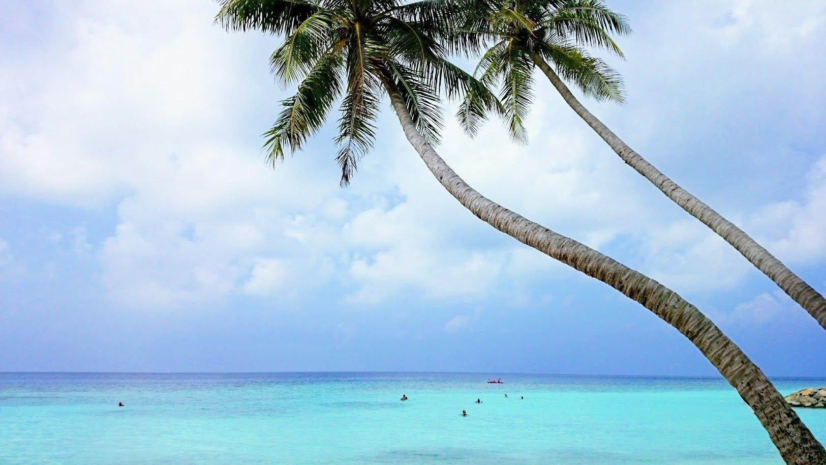 Malediivit Maafushi bikini beach