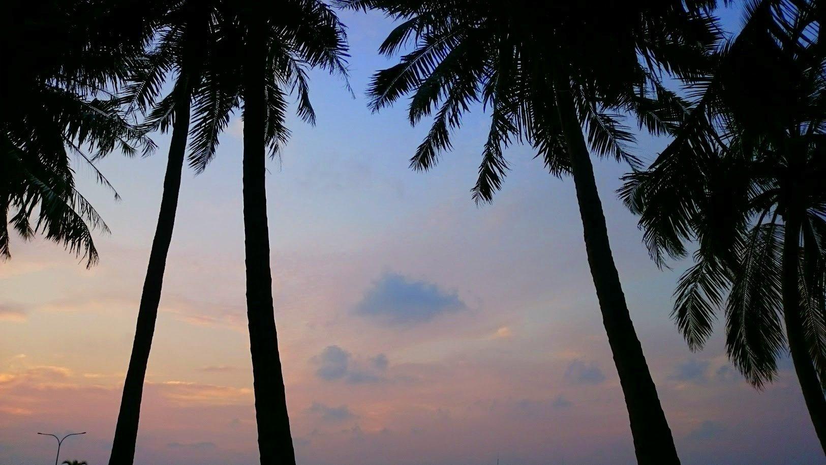 Malediivit Maafushi budjettimatka edullisesti auringonlasku