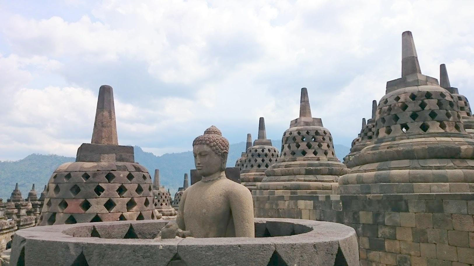 Borobudur temppeli Indonesia