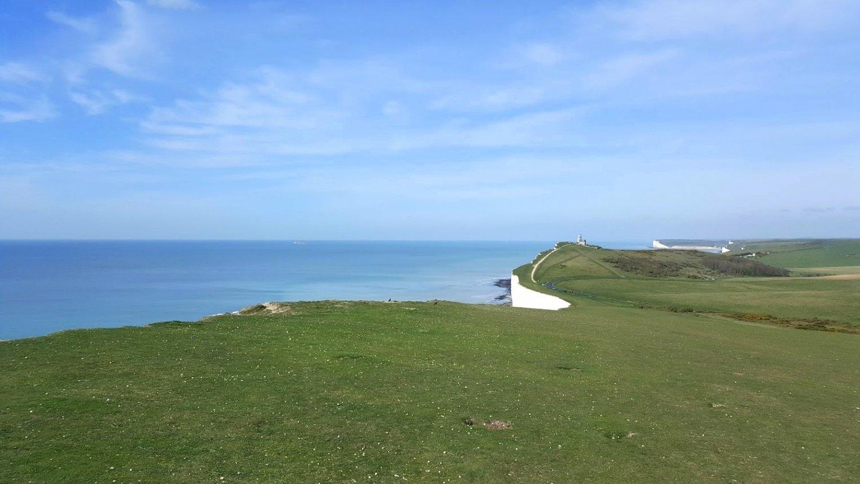 Englannin rannikko merenranta majakka
