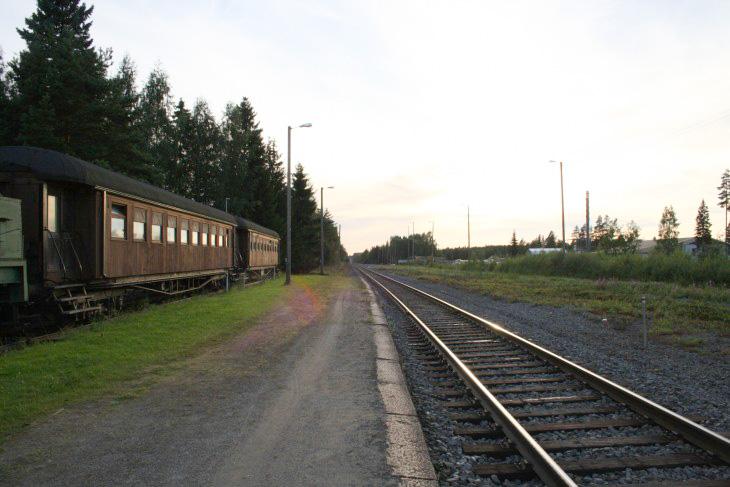 junamajoitus Tuuri juna-asema erikoinen majapaikka