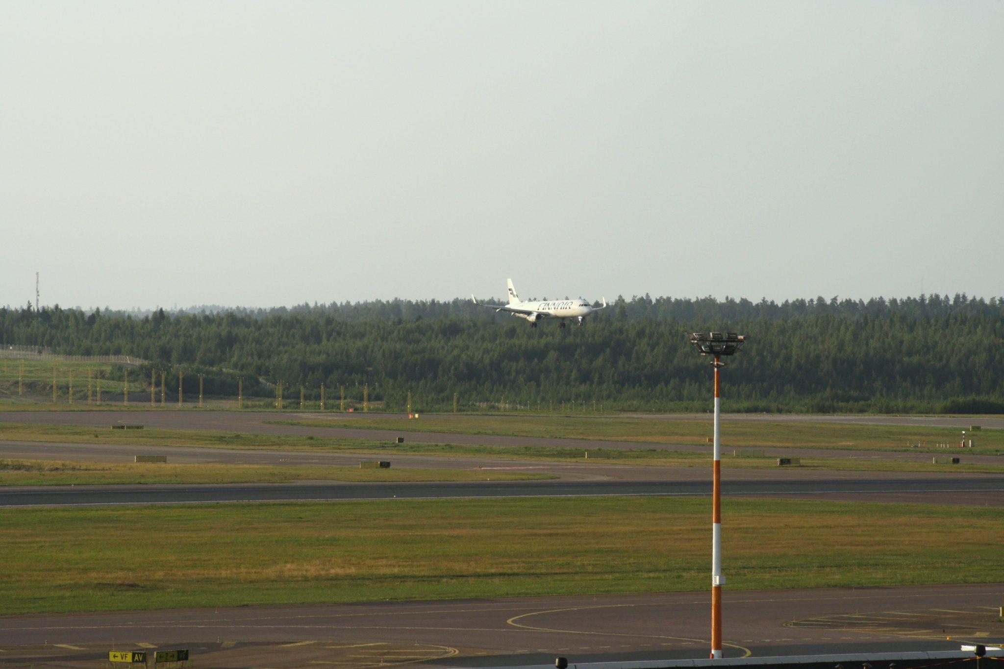 Helsinki-Vantaa lentokenttä katseluterassi näköalaterassi bongailu spottailu lentokone