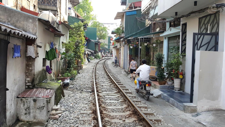Hanoi Vietnam junarata