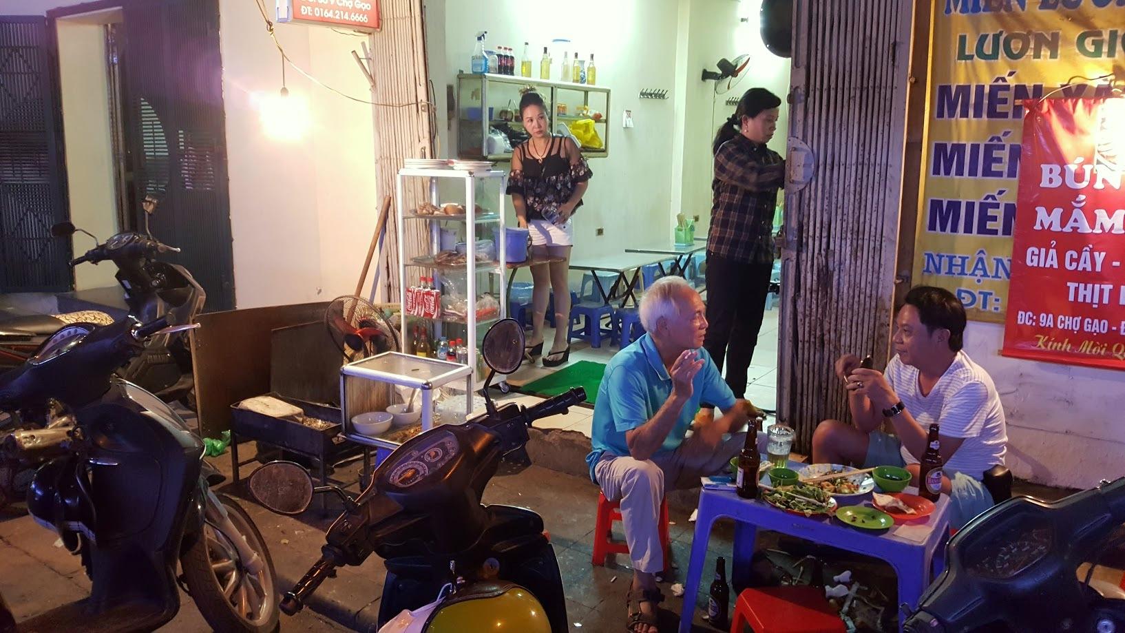 Hanoi Vietnam katuruoka