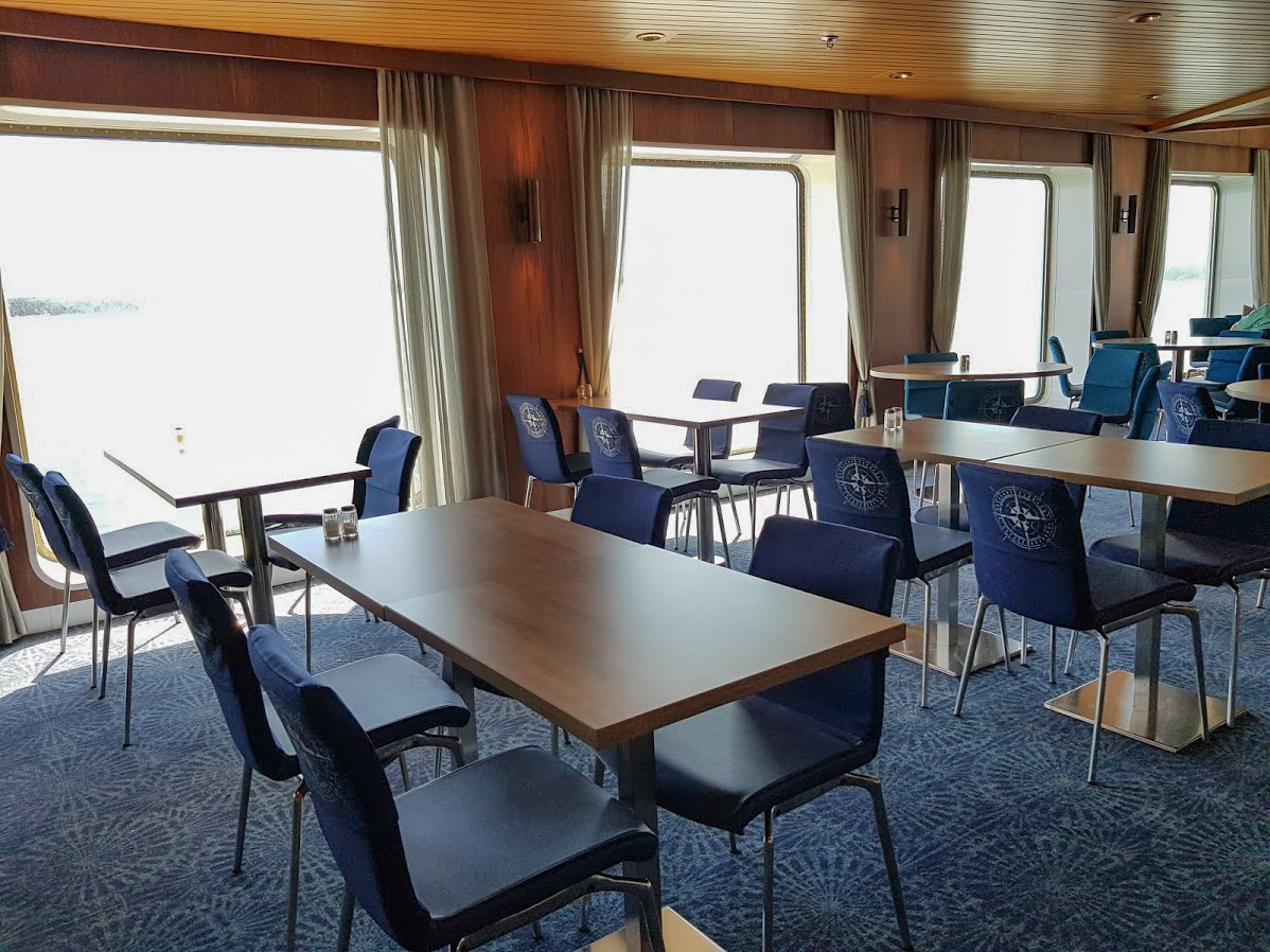 Finnlines laiva Naantali Kapellskär ruoka