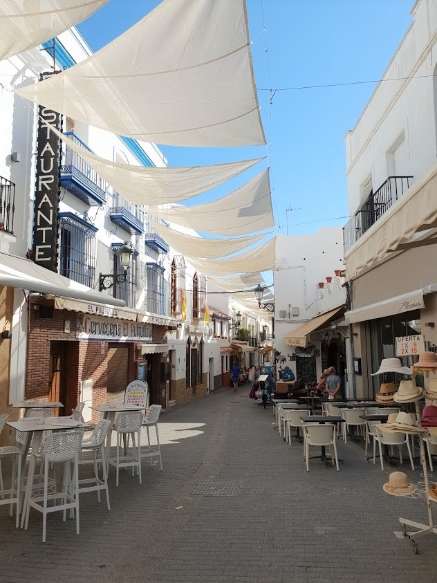 Costa del sol malaga espanja rannikko päiväretket retkikohde nerja