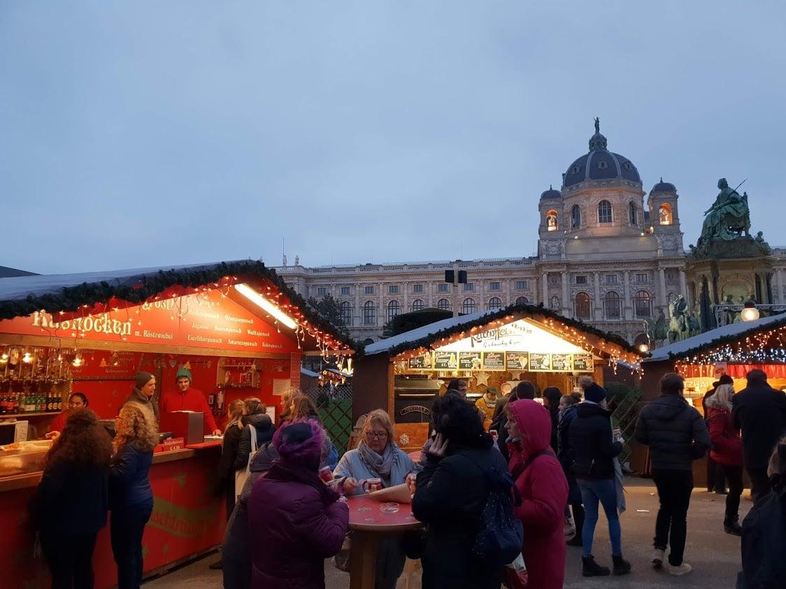 Wien joulutori joulumarkkinat