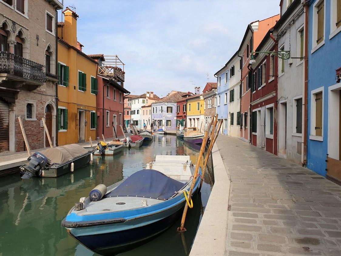 Burano Venetsia päiväretki pitsi värikkäät talot