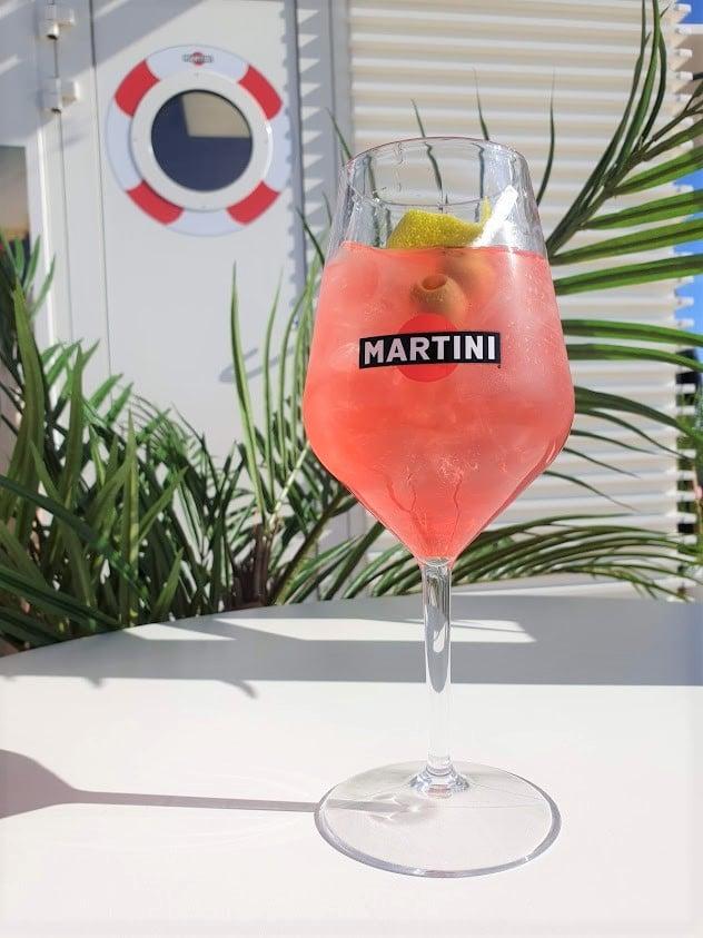 Viking Line Viking Grace terassi Martini Terrazza juoma drinkki prosecco kuohuviini