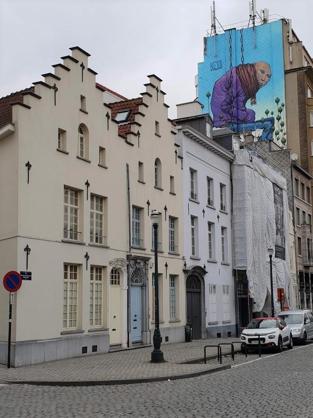 Bryssel matka kohde kokemuksia Belgia nähtävyydet muraali katutaide seinämaalaus sarjakuva