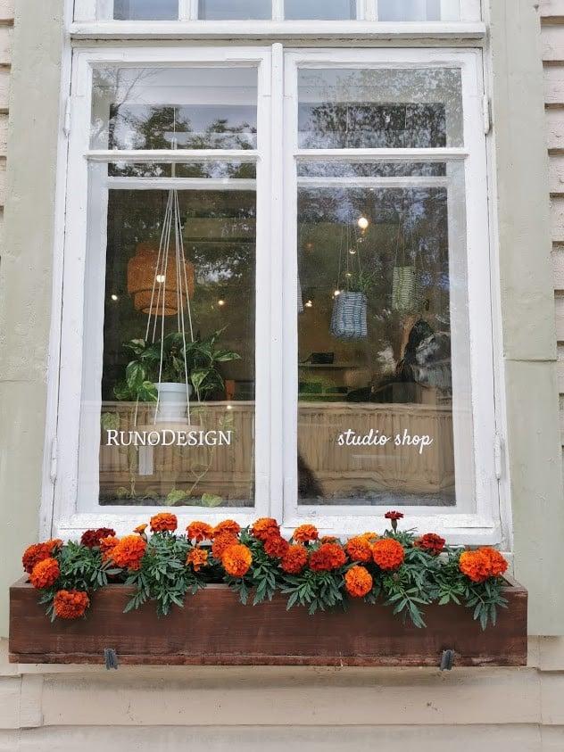 Savonlinna ikkuna putiikki kukkalaatikko