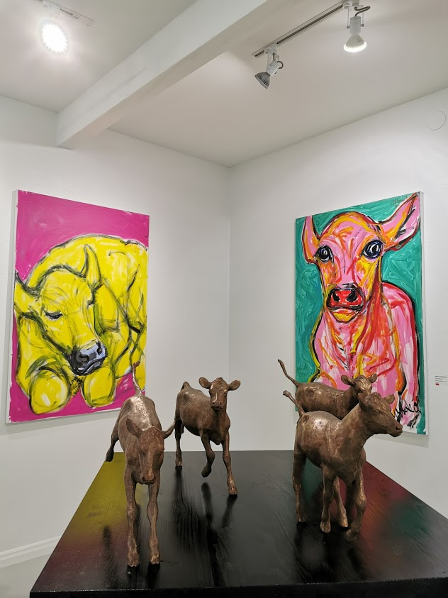 taidekeskus salmela lehmä veistos taulu