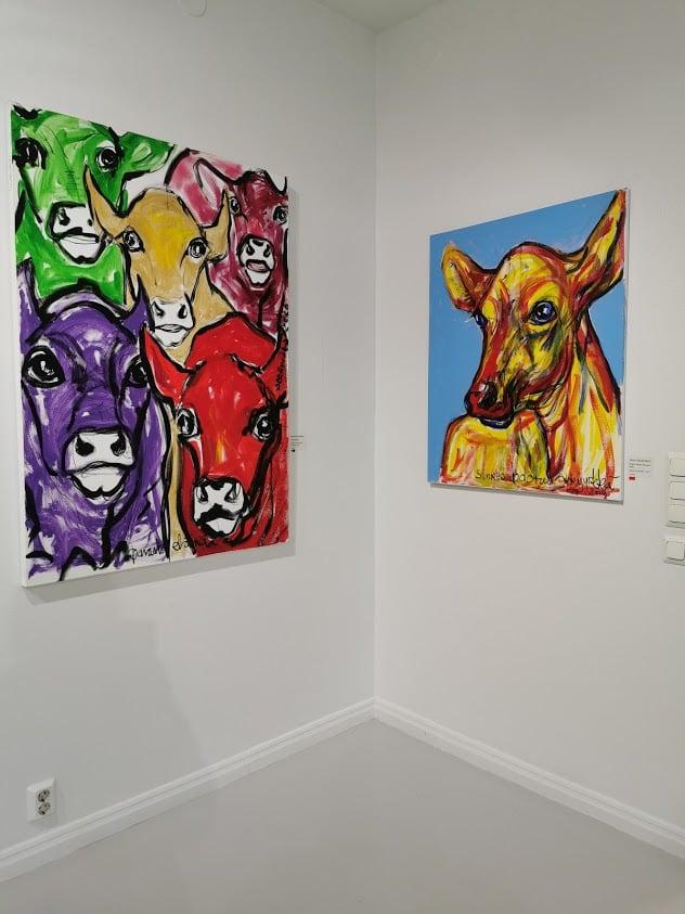 taidekeskus salmela lehmä taulu