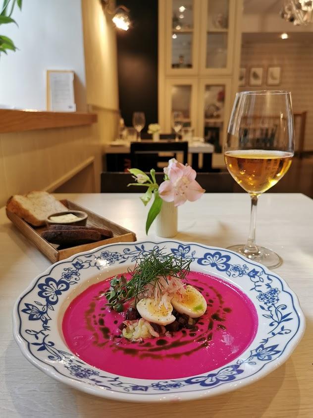 Tallinna venäläinen ravintola keitto siideri ruoka lautanen