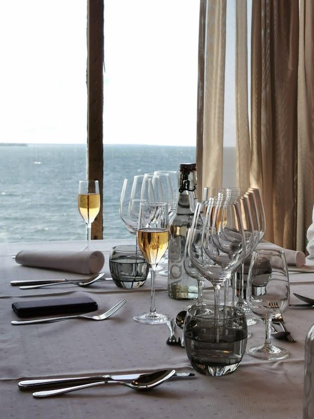 ravintola lasit kattaus ikkuna merimaisema