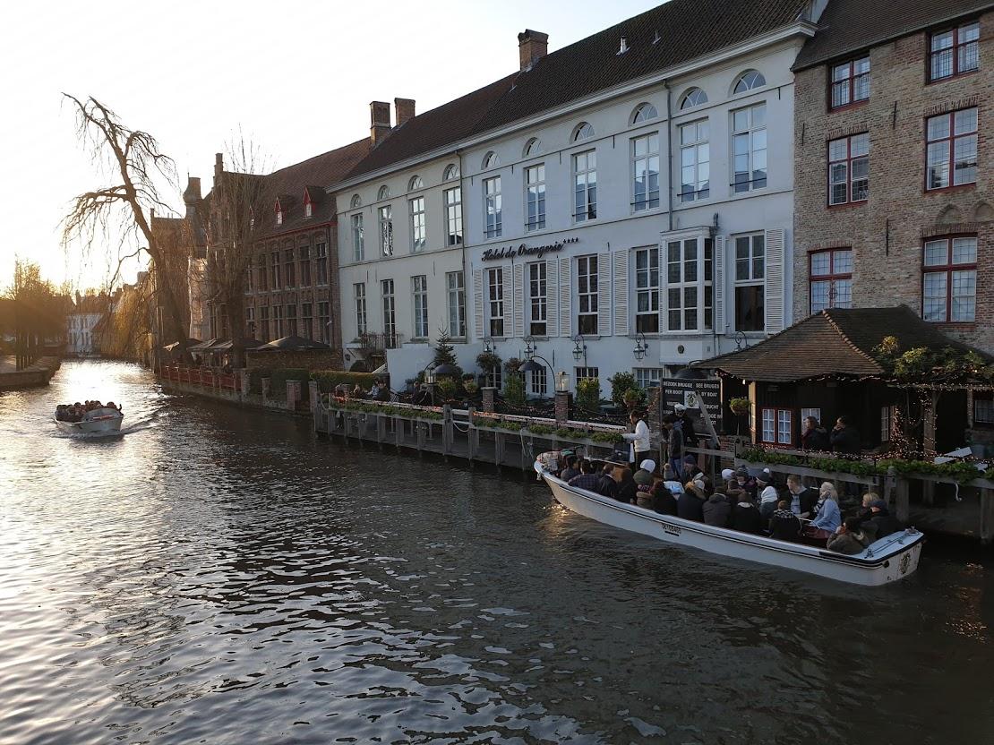 brugge kanaali kanaalivene veneretki veneajelu rakennukset