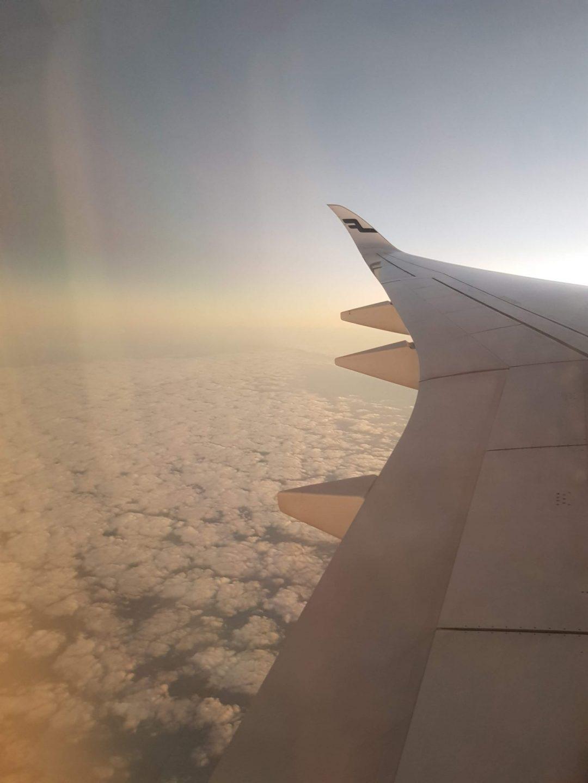 Kuva lentokoneen ikkunasta