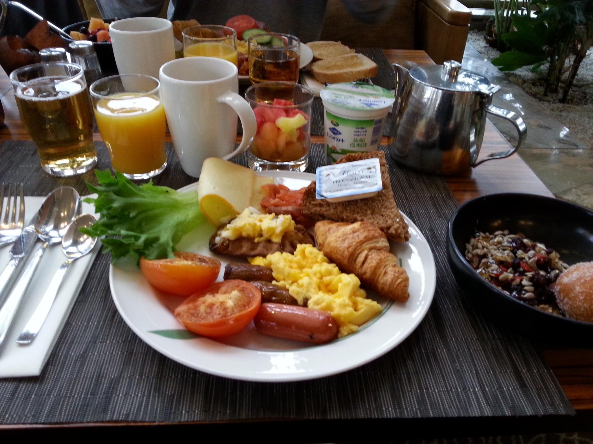 Hilton strand aamiainen hinta