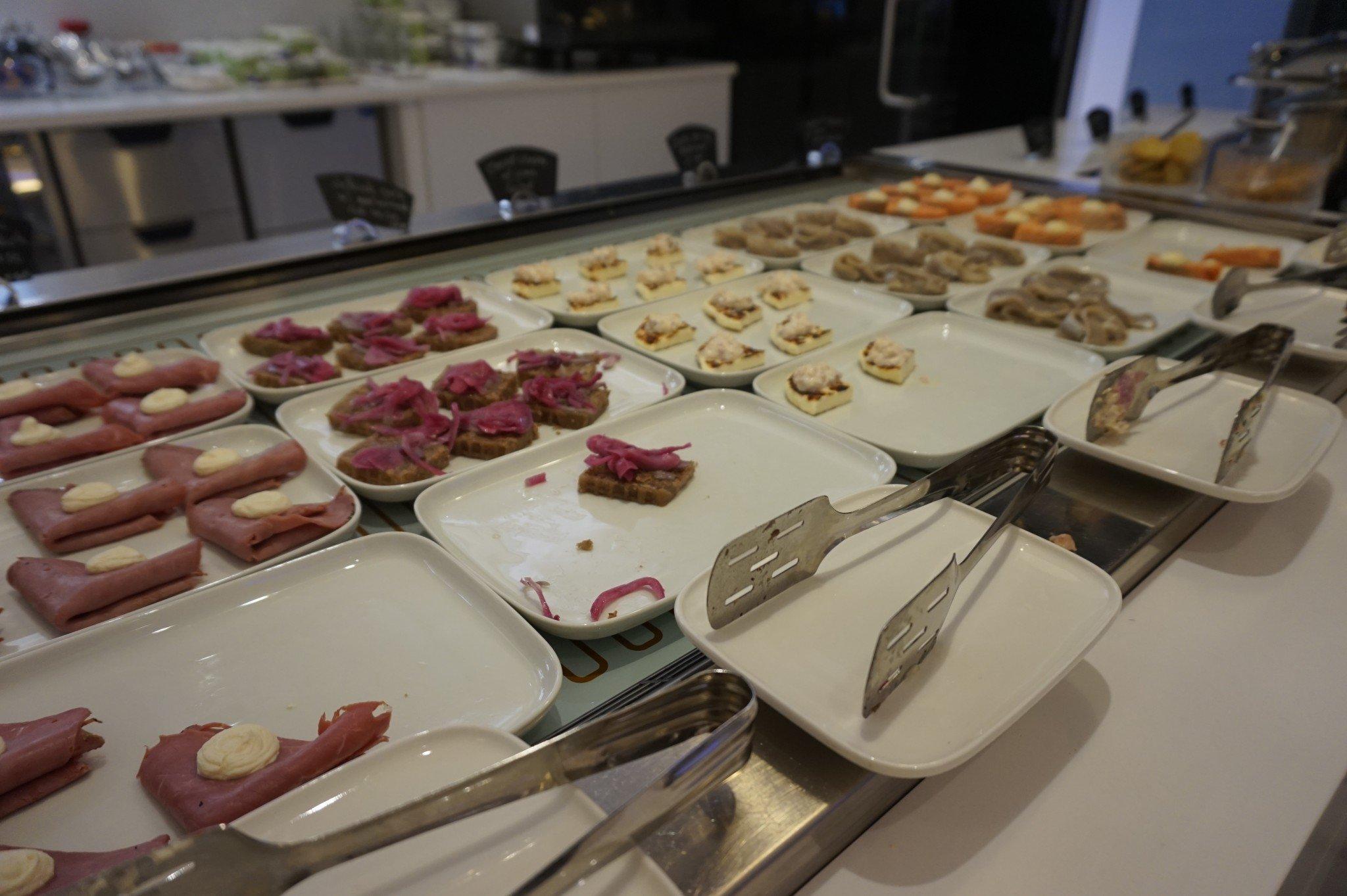 Finnair Premium Lounge_HEL_MJT (2)