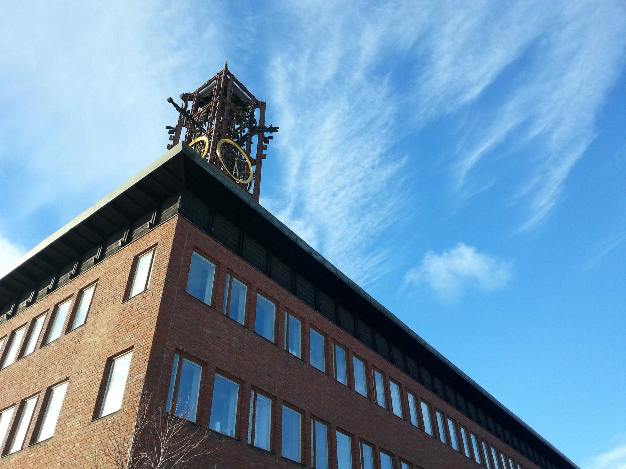 Kaupungintalon kellotorni saa kohta uuden sijoituspaikan!