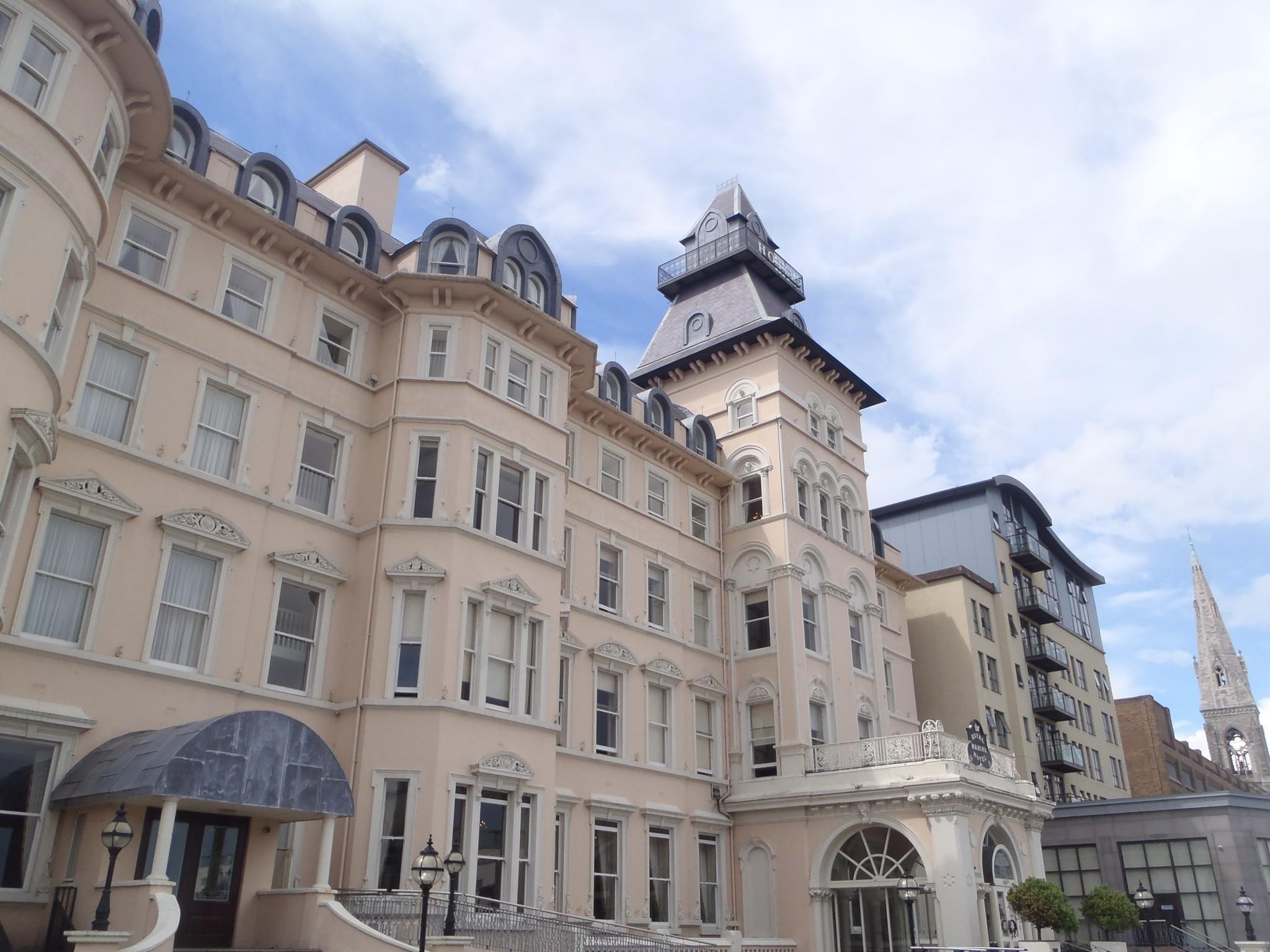 Royal Maritime Hotel oli luksusta sisältä ja ulkoa.