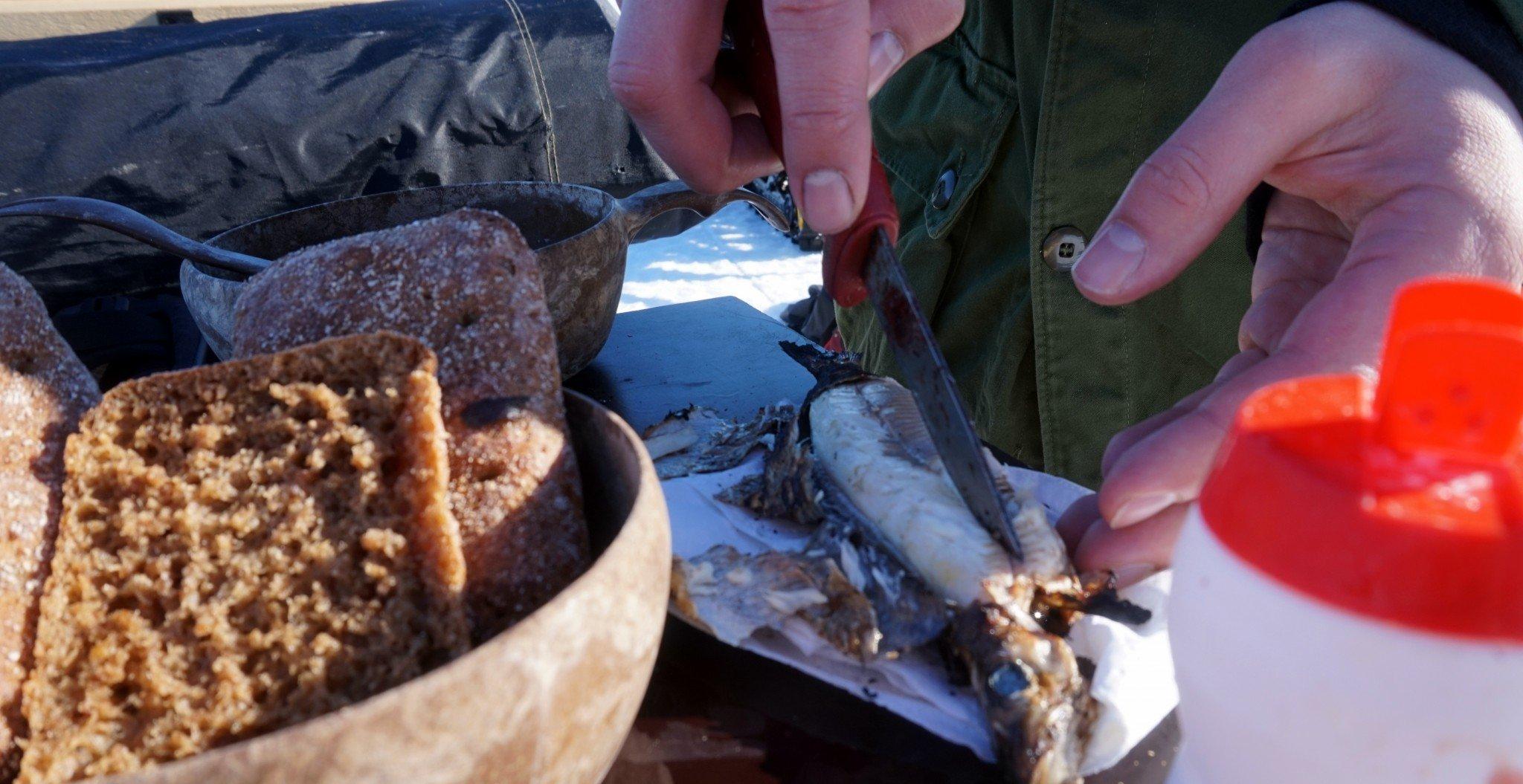Itse ylös nostettua kalaa ja ruisleipää nam <3