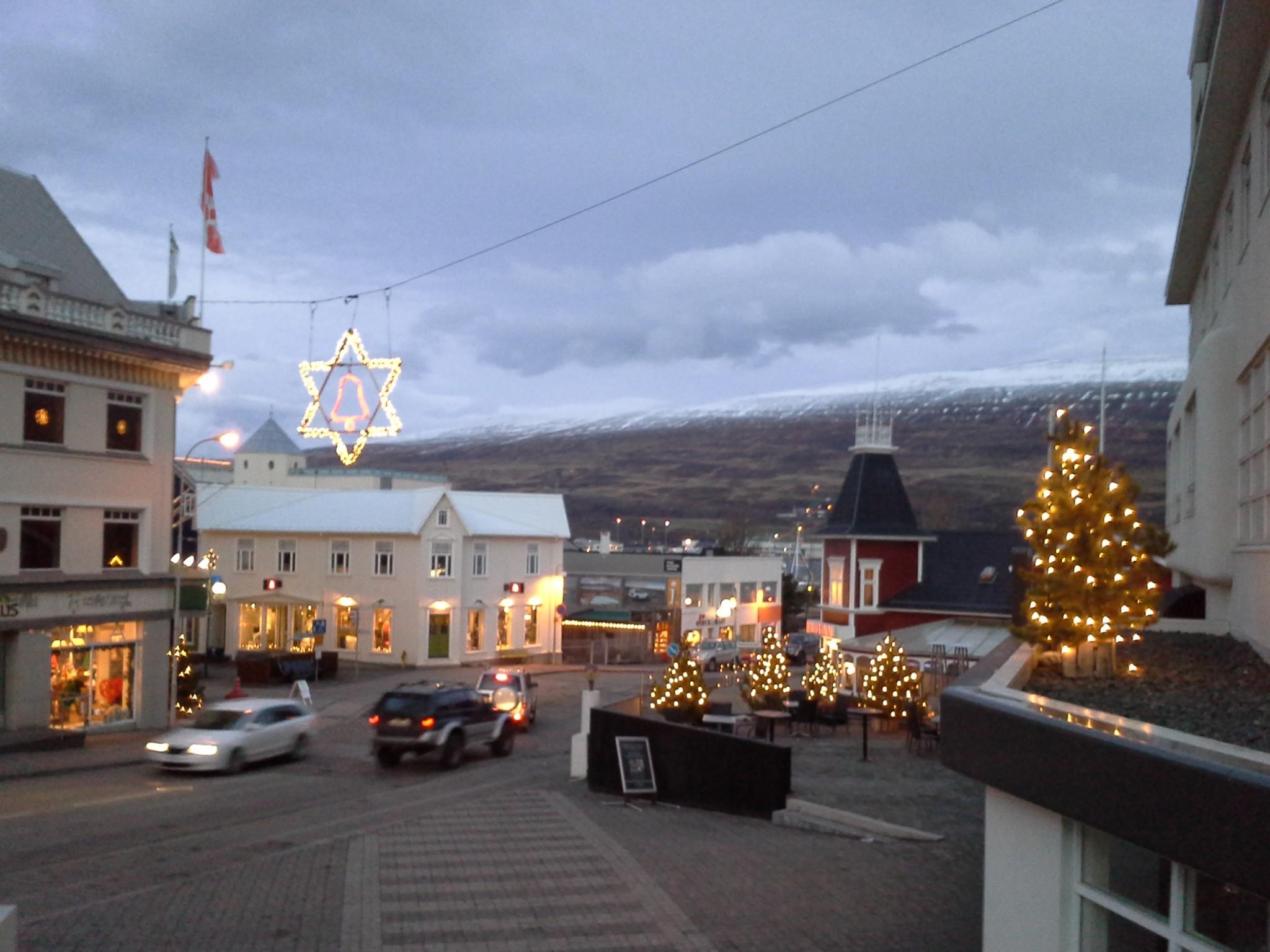 Ihana kaupunki jouluvaloissaan
