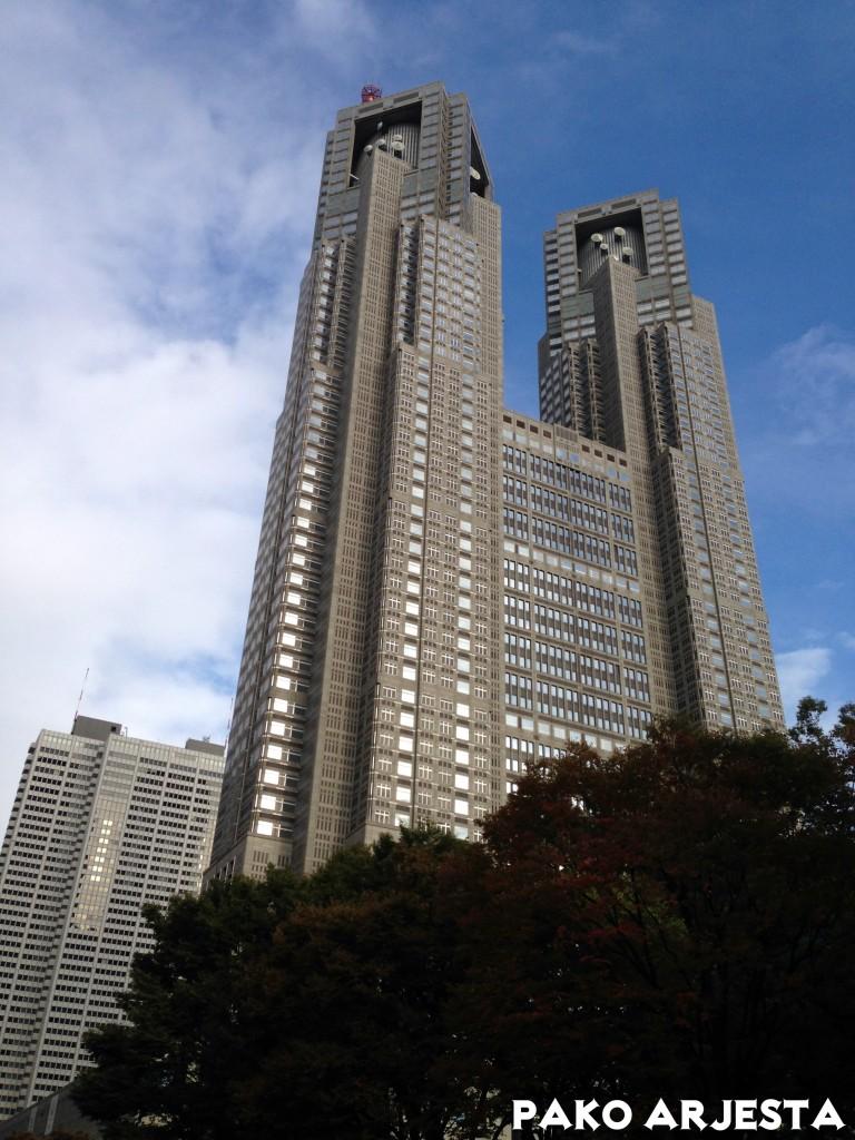 Metropolitan Government Building päivällä