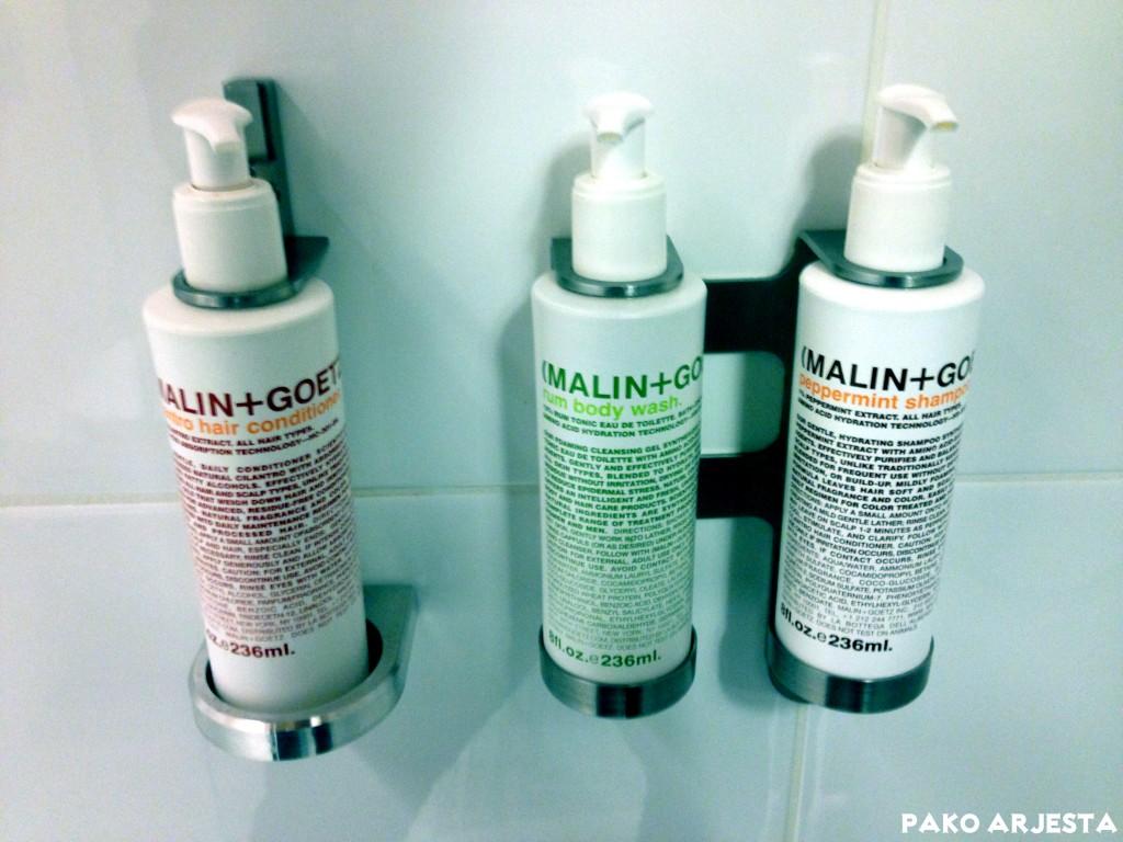 Huoneissa on tarjolla laadukkaat Malin + Goetz™ kylpytuotteet