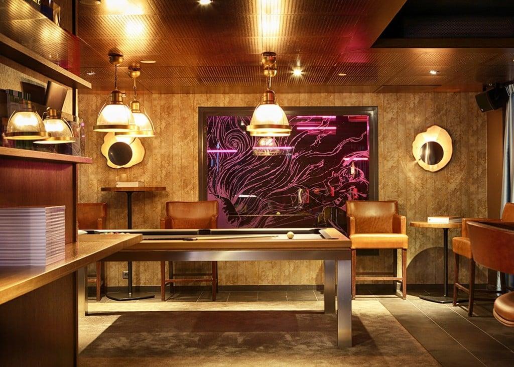 Livingroomin alakerrasta löytyy myös biljardipöytä