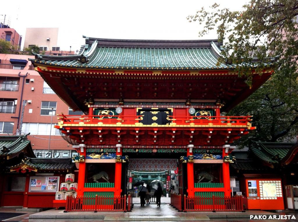 Kanda-pyhäkkö portti Akihabara Tokio