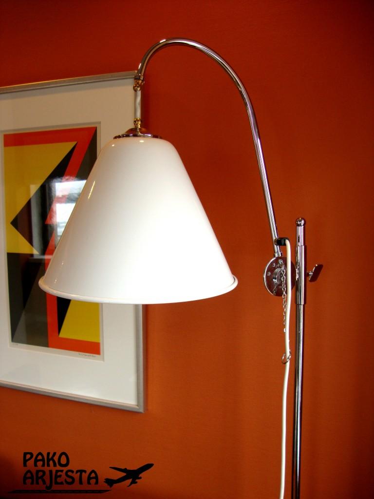 17.1 Hotelli Torni lamppu