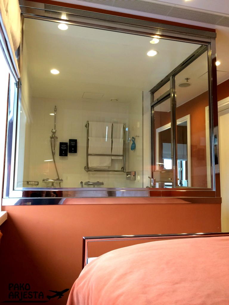 6. Hotelli Torni wc sängystä