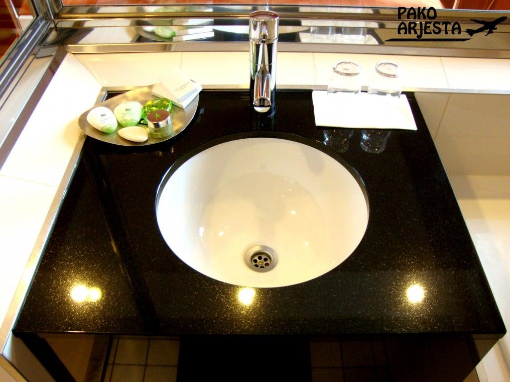 9. Hotelli Torni iso wc allas
