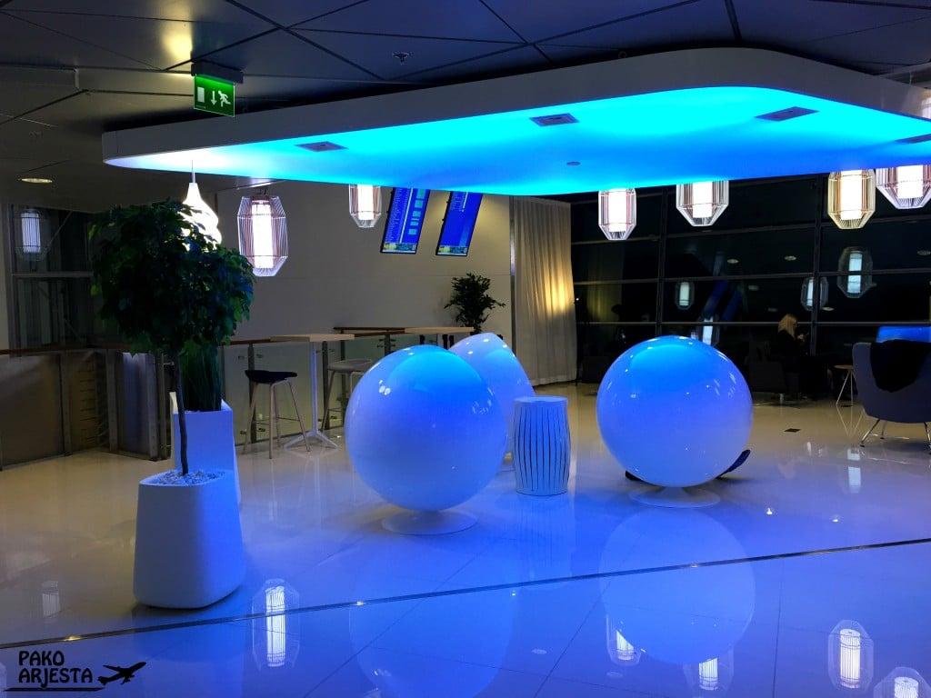 Finnair schengen lounge munatuolit