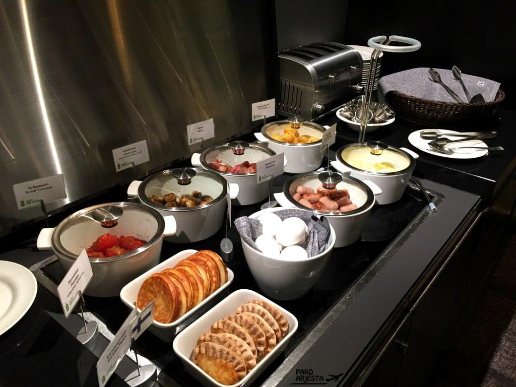 Radisson Blu Plaza Helsinki Plaza Lounge aamiainen 2