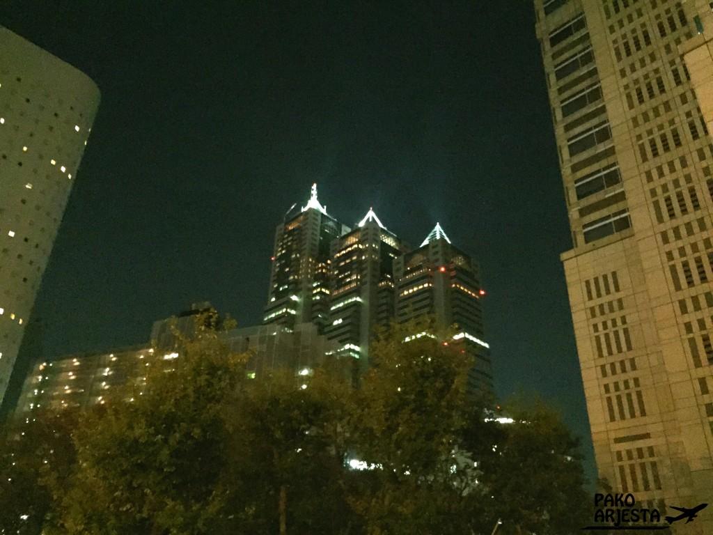 Tokio Park Hyatt ulkokuva ilta