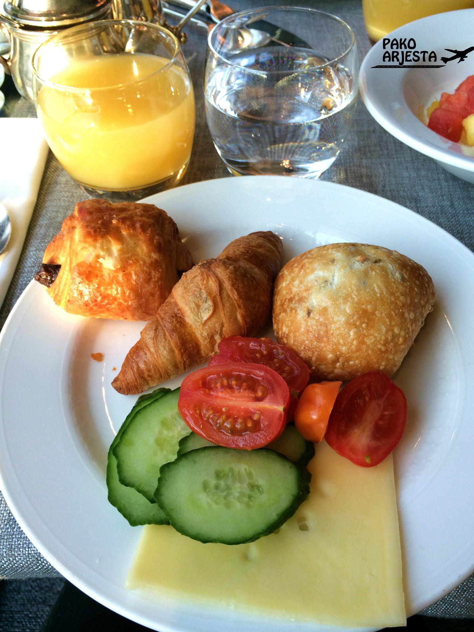 Kämp Brasserie aamiaislautanen