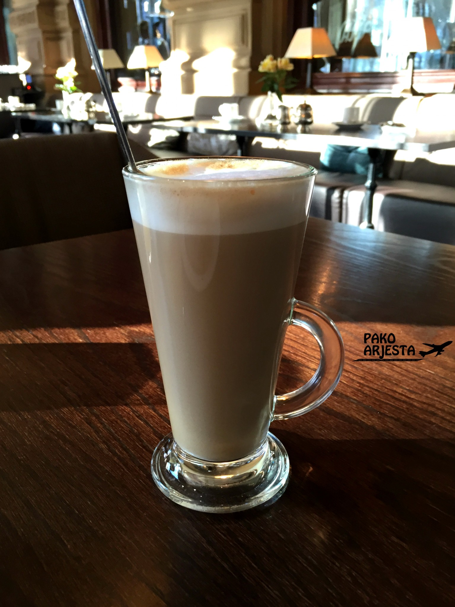 Kämp Brasserie latte