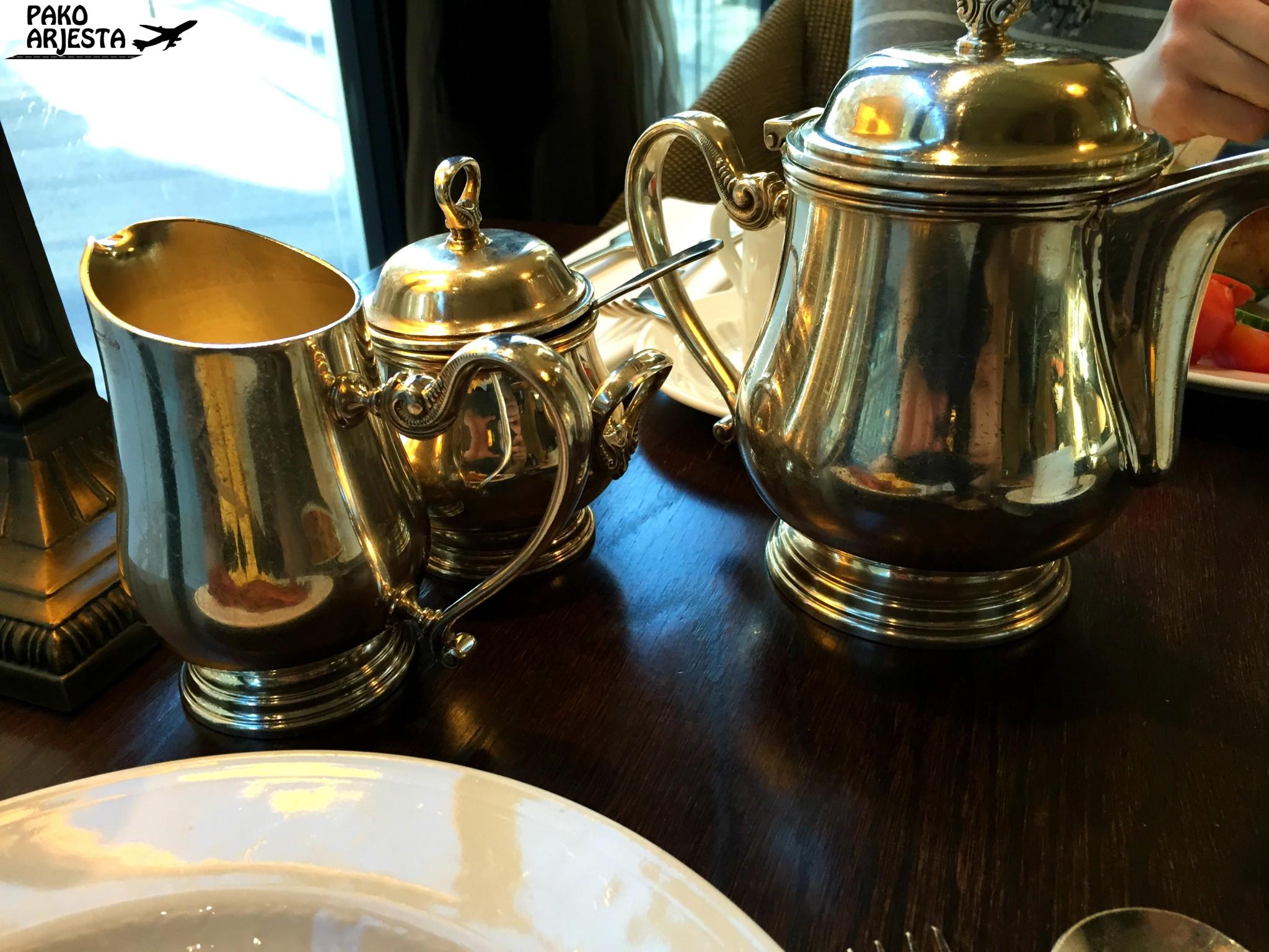 Kämp Brasserie teekannu