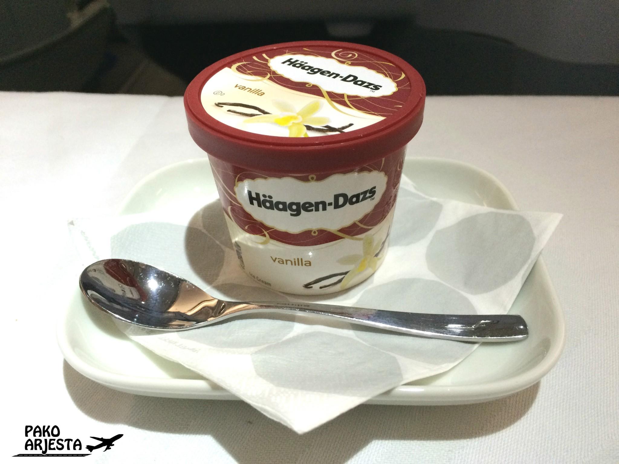 Japanista Helsinkiin matkustaessa lennon erikoisuutena on vihreän teen makuinen jäätelö