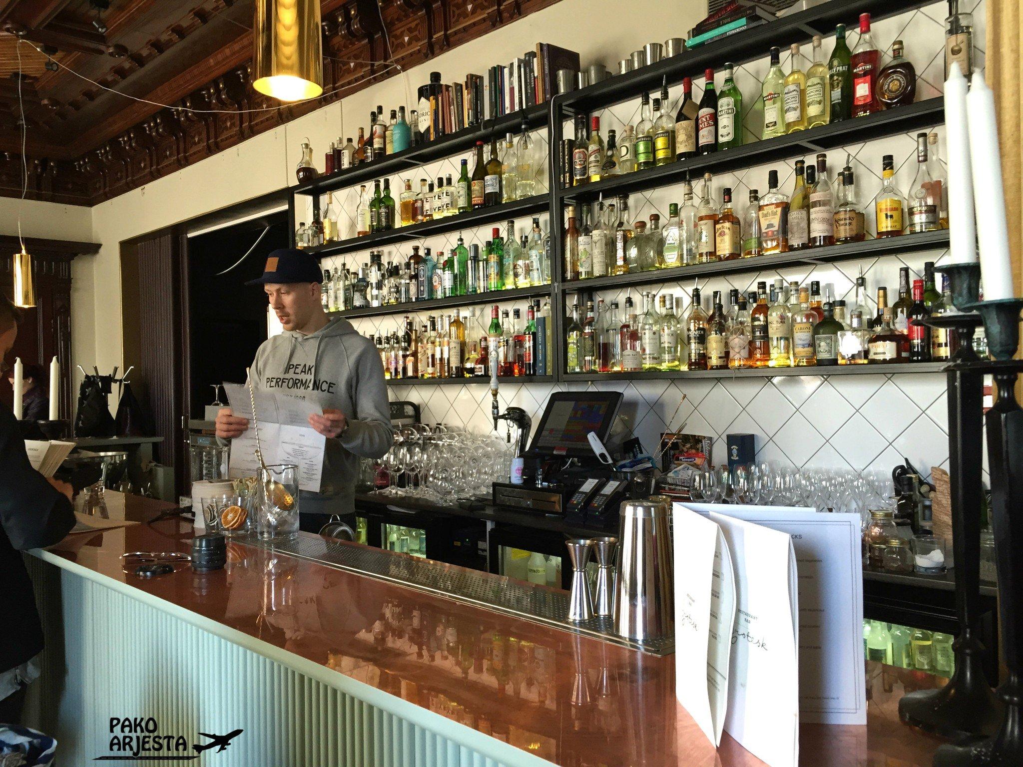 Grotesk Bar