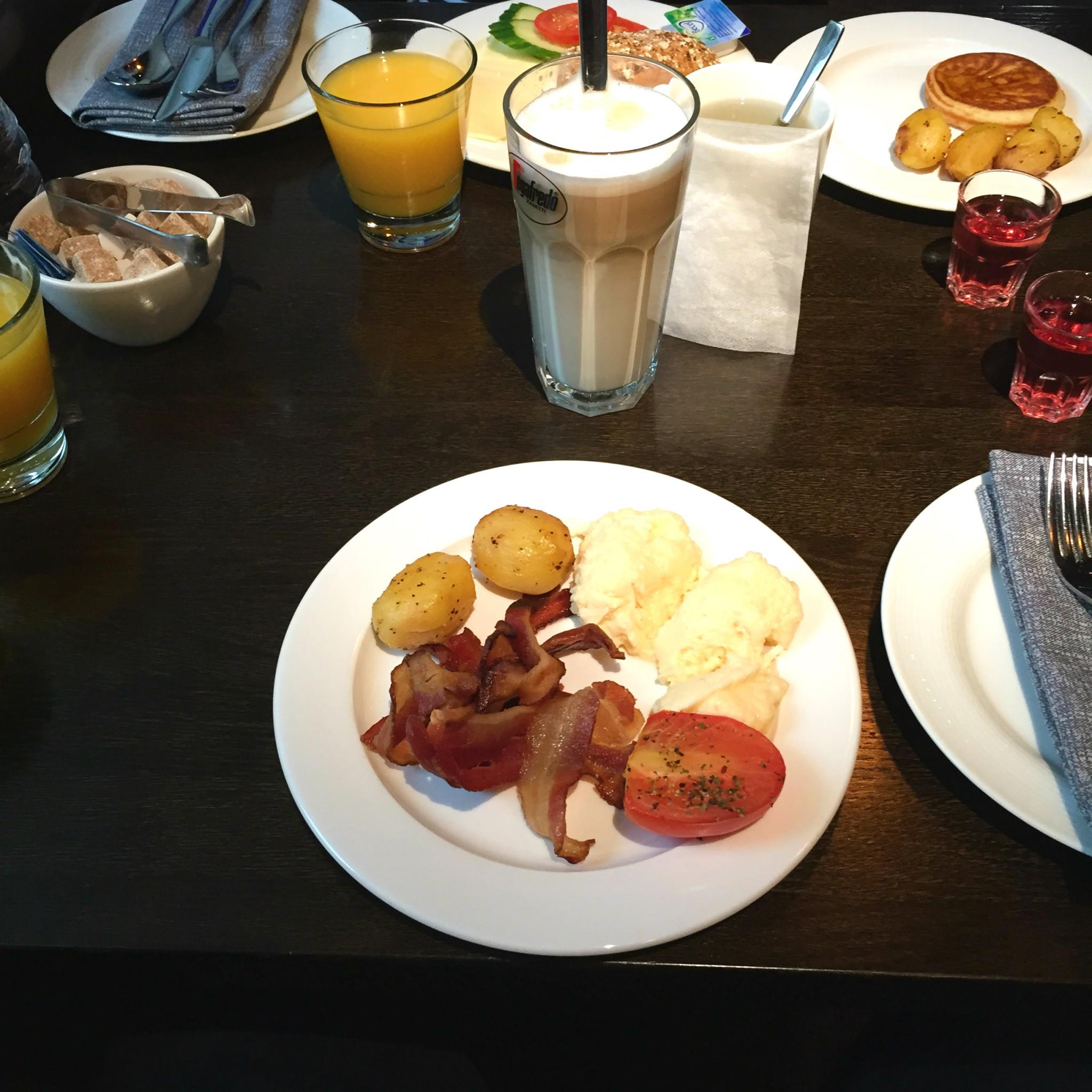 Aamiainen 3