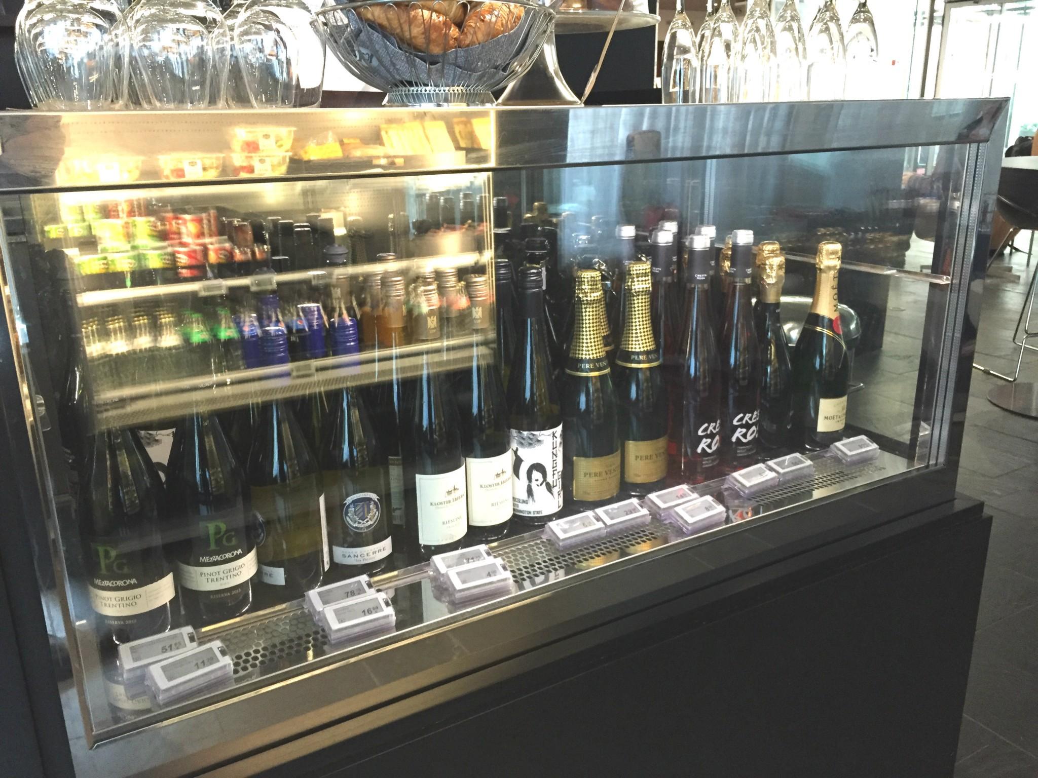 Viini- kuten muukin alkoholivalikoima on kohdallaan