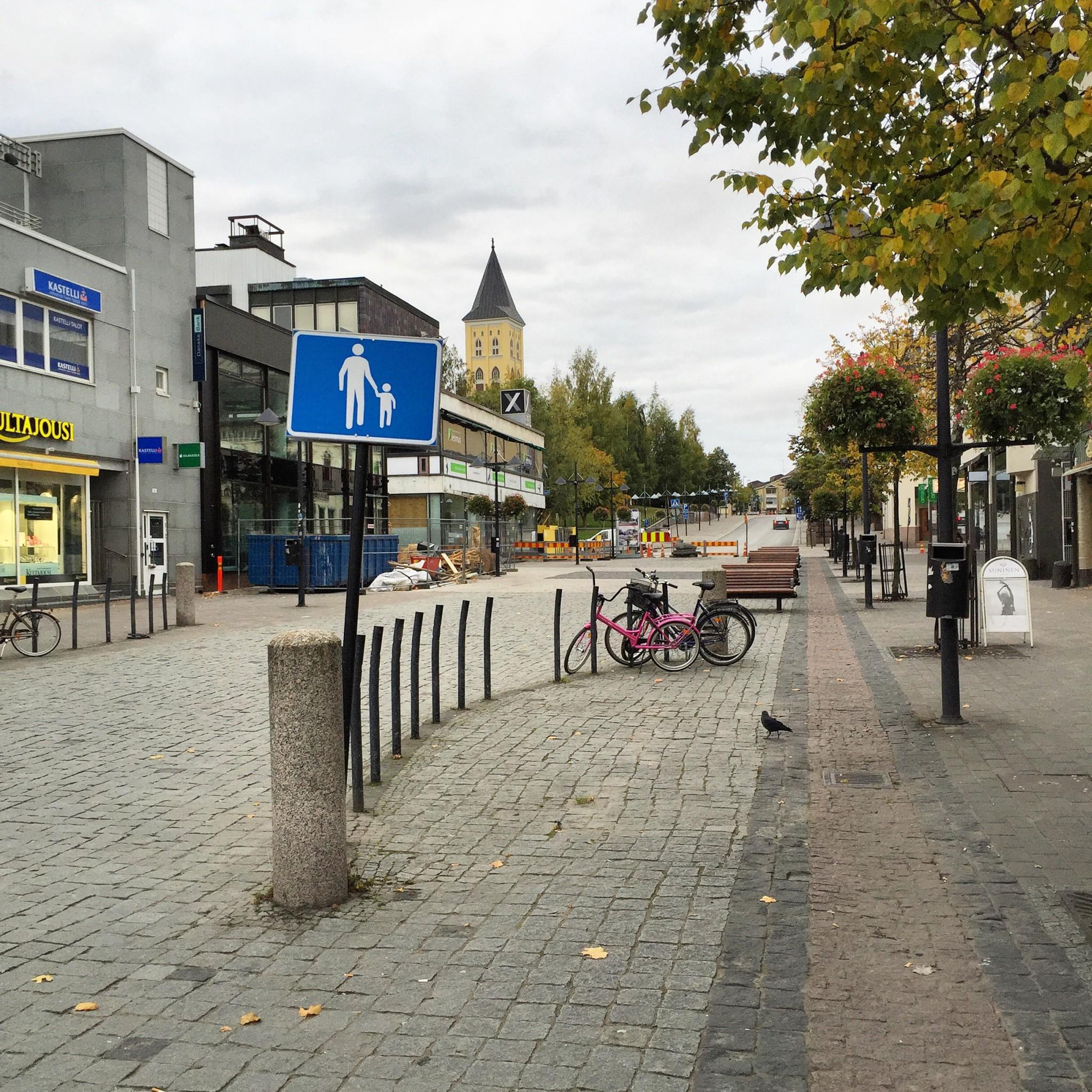 Lappeenrannan pääkauppakatu lauantaiaamuna