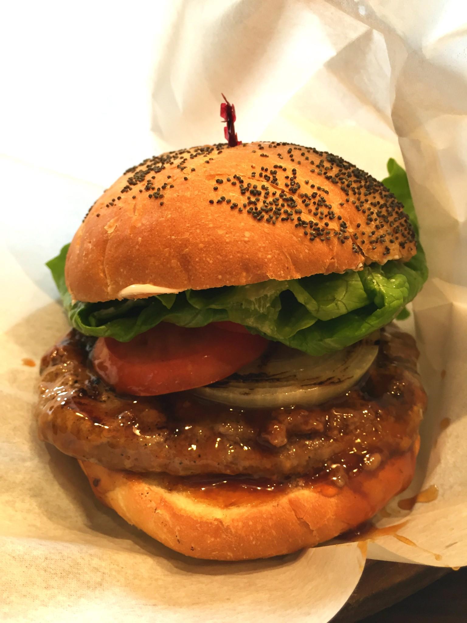 Tokion ruokapaikat Kua'Aina burger