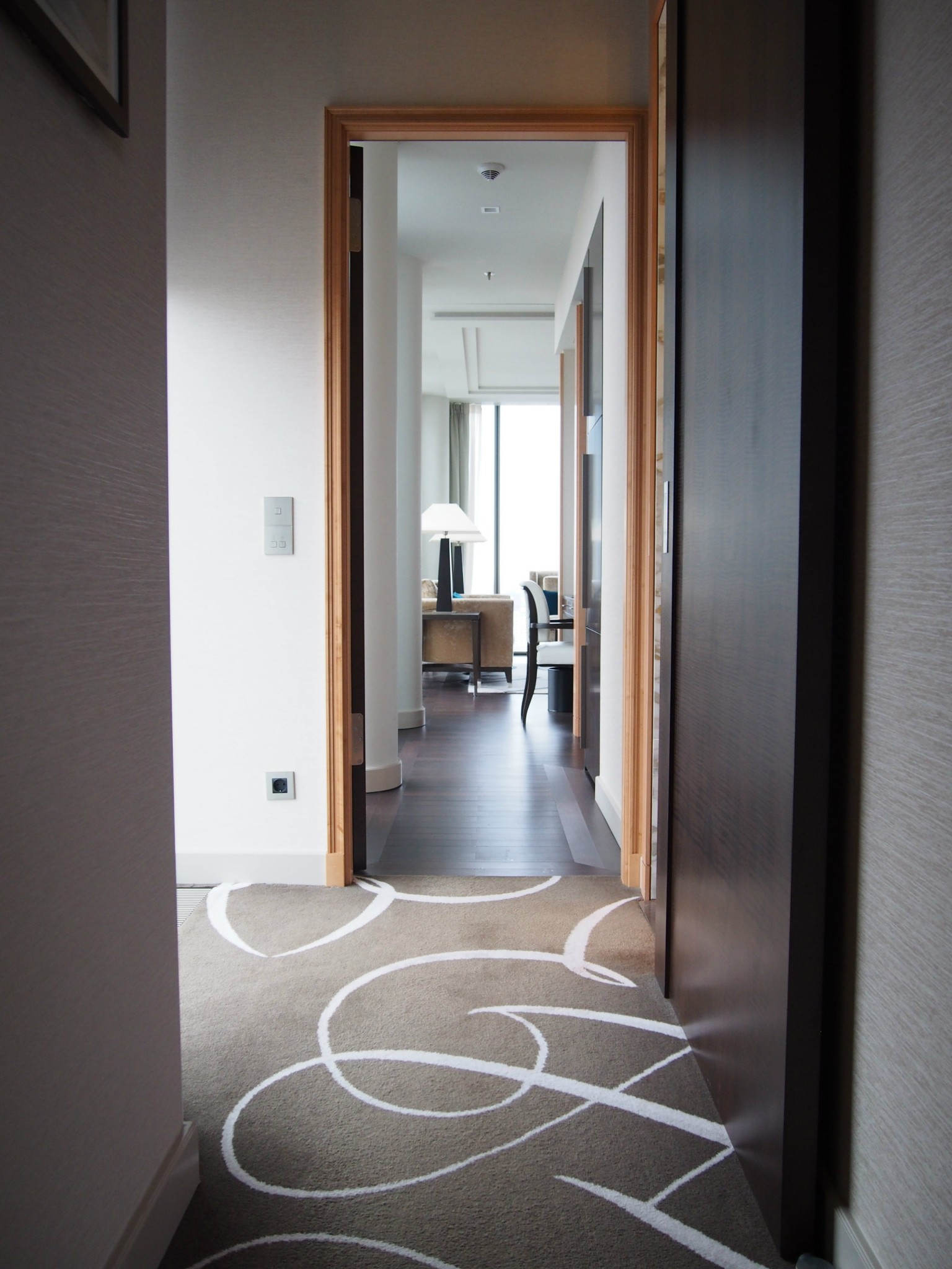 Waldorf Astoria Berlin Tower Suite käytävä